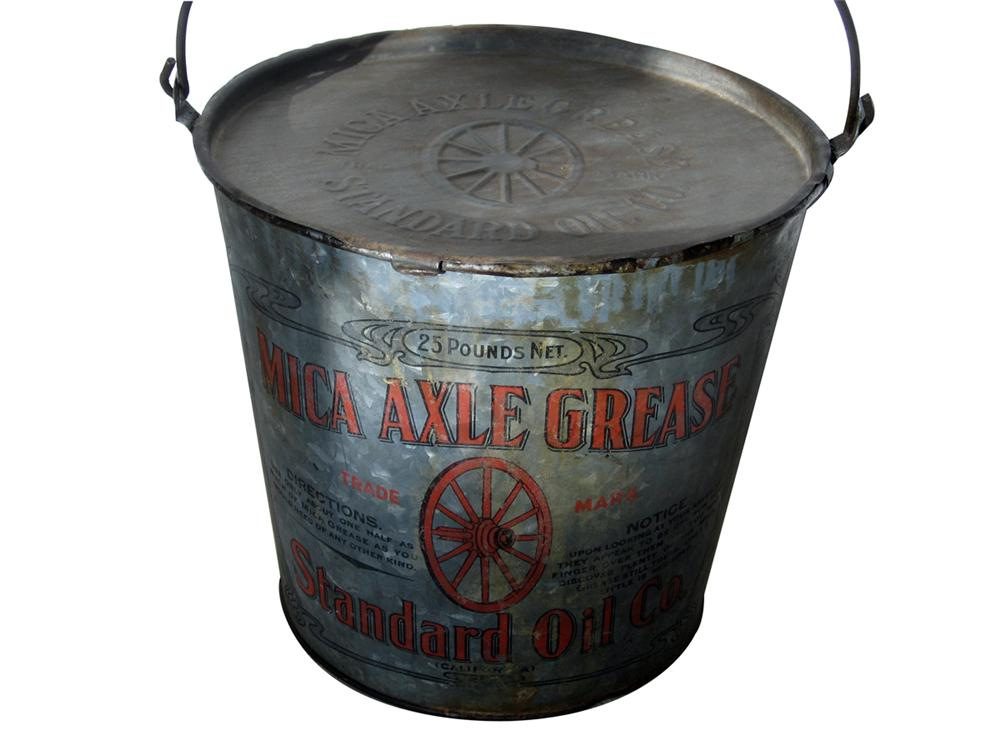 """Rare 1915 Standard Oil """"Mica Grease"""" for axles reusable station bucket. - Front 3/4 - 89255"""