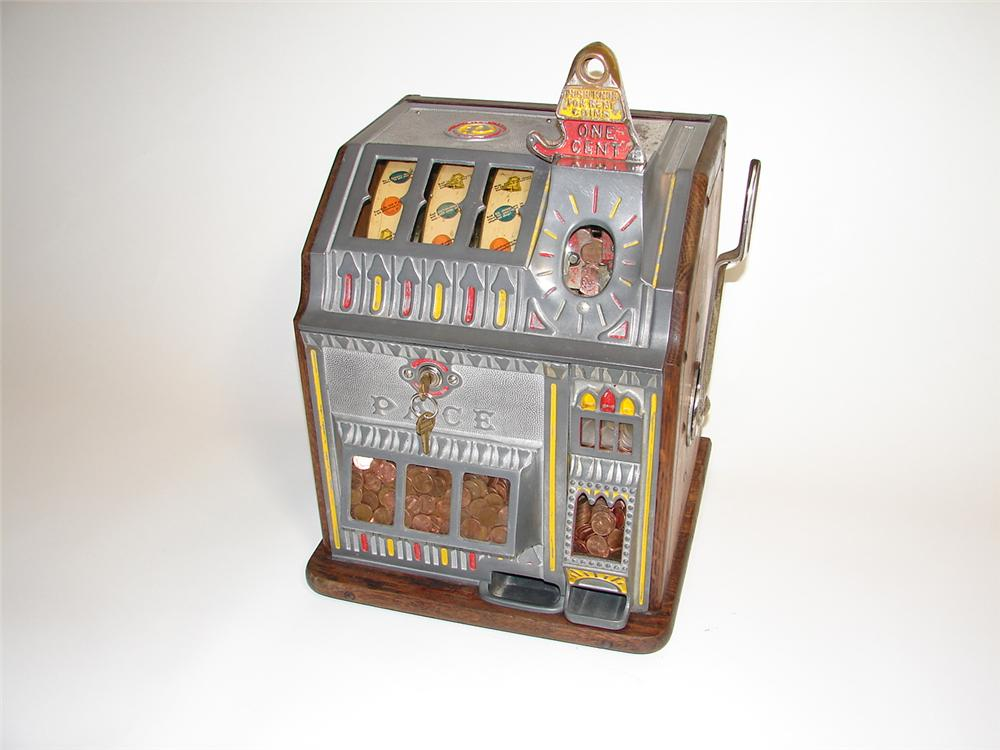 Outstanding 1930s Pace Bantam 1 cent slot machine with older restoration. - Front 3/4 - 89465