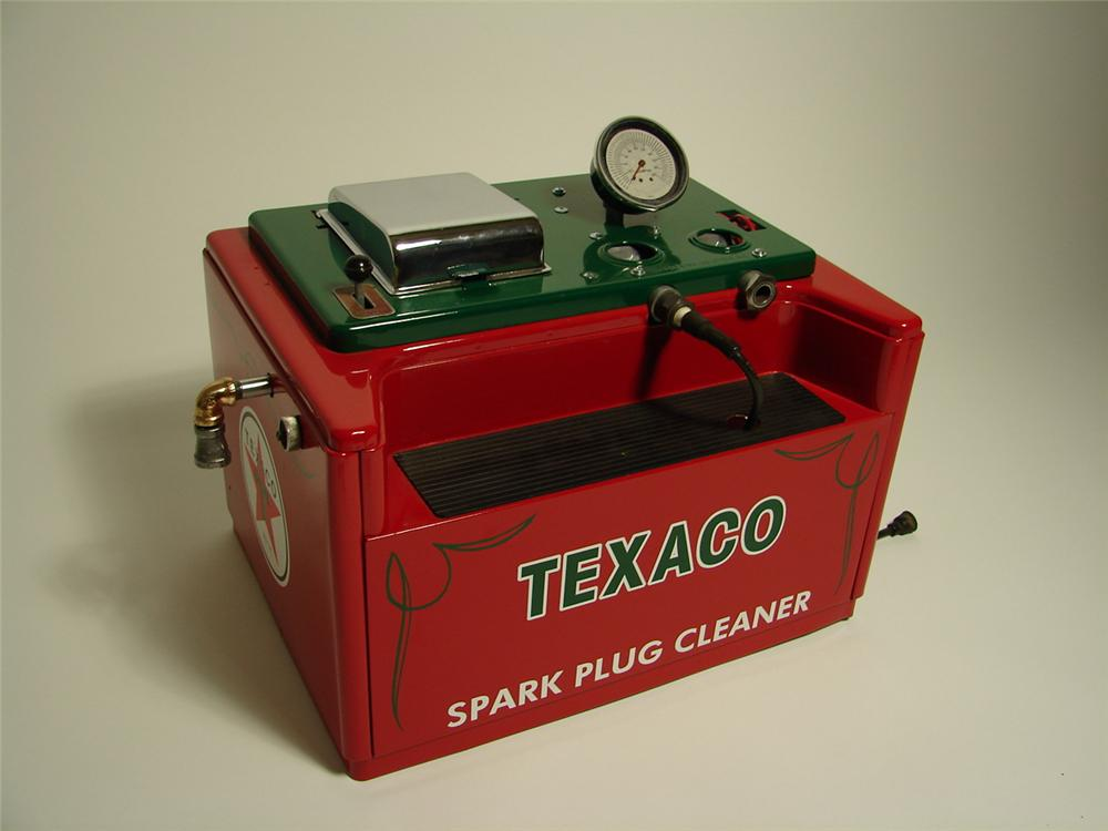 Interesting 1950s Texaco Service Station Champion spark plugs restored counter-top spark plug cleaner. - Front 3/4 - 89538