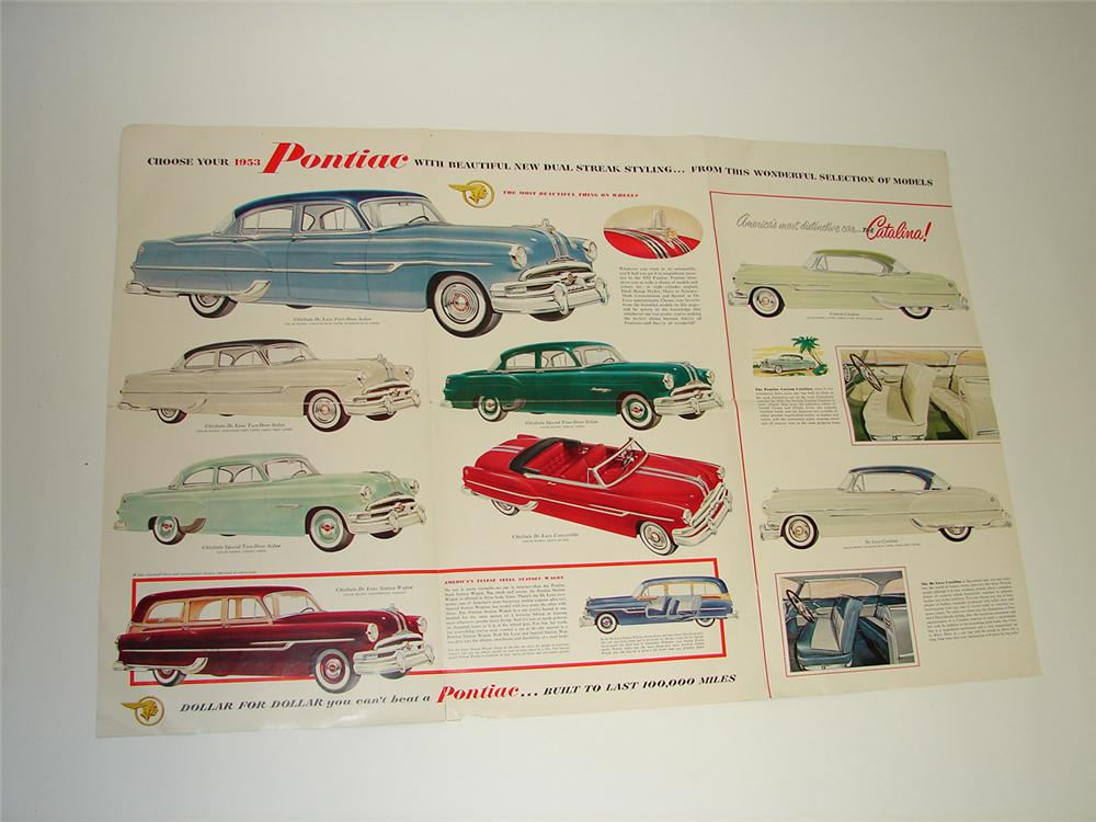 Cool 1953 Pontiac color sales brochure which folds out into a large poster of the entire line-up. - Front 3/4 - 91408