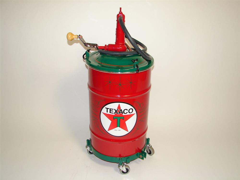 Sharp 1930s-40s Texaco 20 gallon hand crank service department greaser. - Front 3/4 - 91410