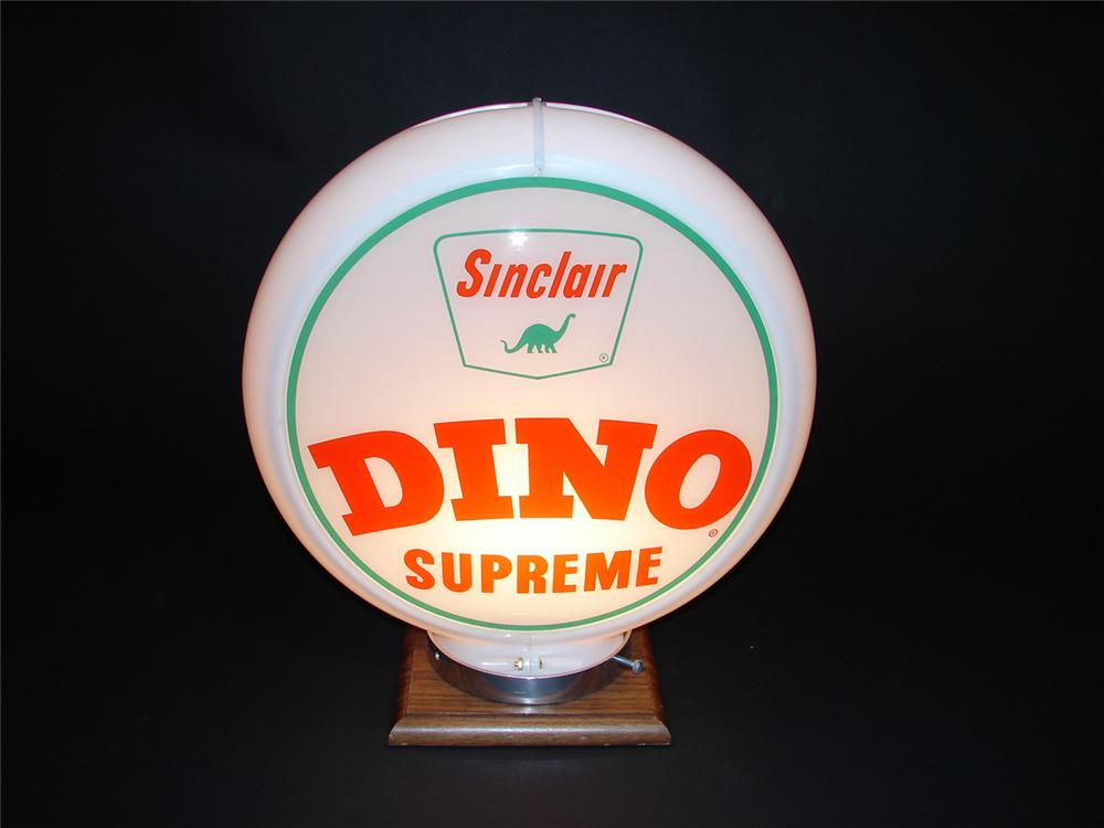 Very clean 1950s Sinclair Dino Supreme plastic bodied gas pump globe. - Front 3/4 - 91425