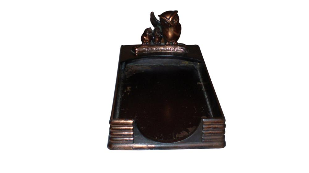 "1930s Pennzoil ""Be Oil Wise"" garage tablet holder. - Front 3/4 - 91643"