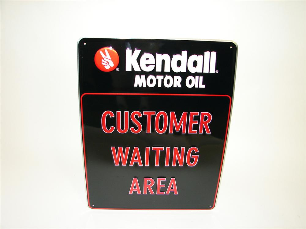 N o s kendall motor oil 39 customer waiting area 39 single for Kendall motor oil distributors
