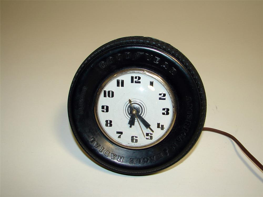 Neat 1950s Goodyear dealer tire shaped counter-top clock. - Front 3/4 - 93887