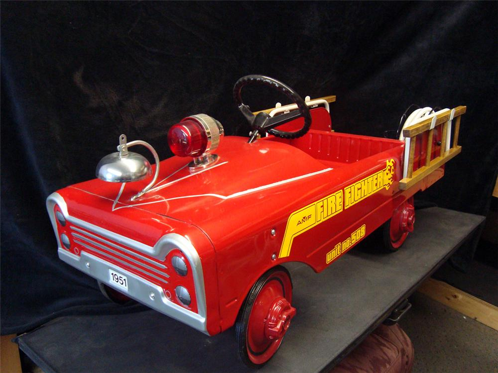 """Choice 1950s AMF Fire Truck """"508"""". - Front 3/4 - 93955"""