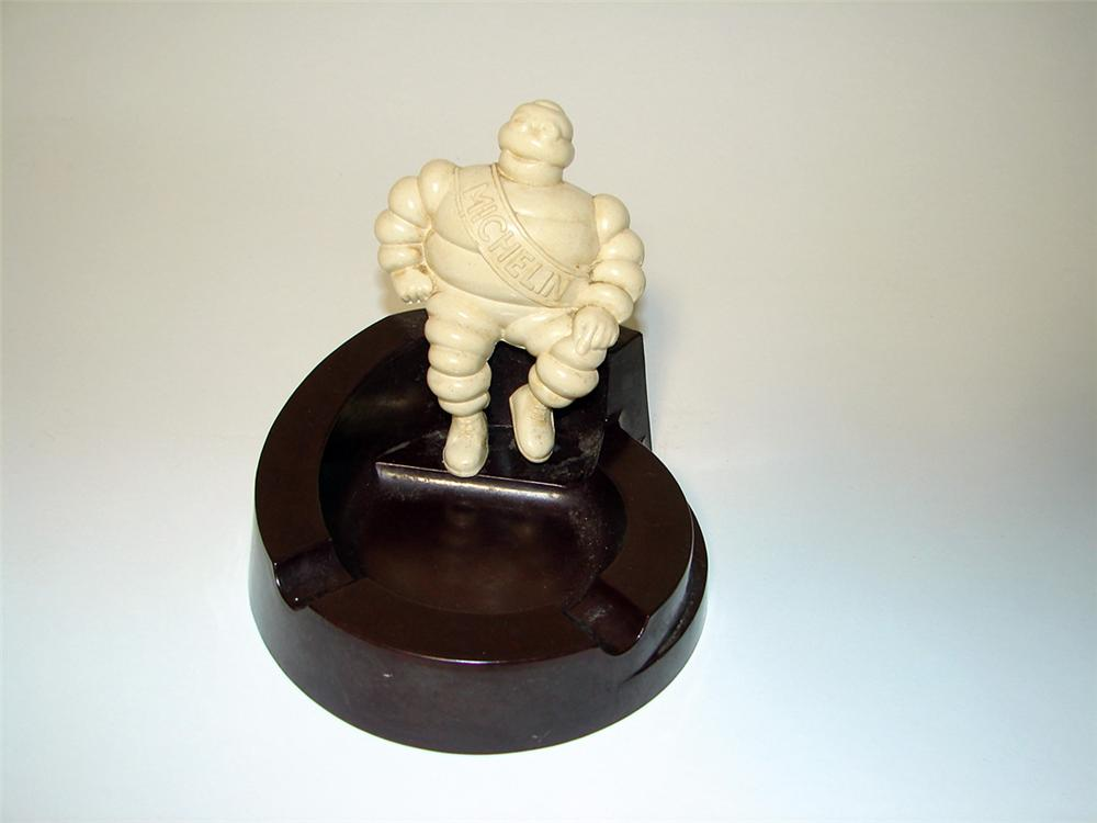 Neat 1930s Michelin Tires bake-lite ashtray featuring a three dimensional Bibedum (Michelin Man). - Front 3/4 - 97107