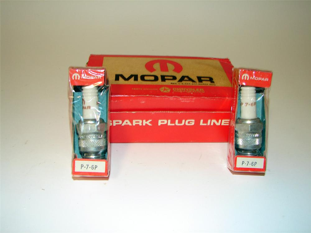 N.O.S. 1960s-early 70s N.O.S. Mopar Spark Plugs display box filled with 10 original unused plugs. - Front 3/4 - 97611