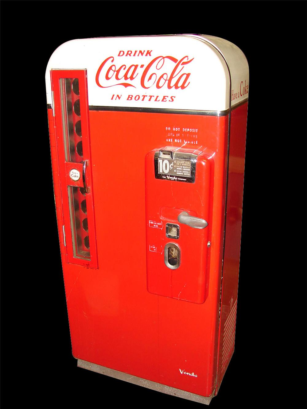 Killer all original 1950s Coca-Cola Vendo 81 ten cent soda machine. - Front 3/4 - 97652