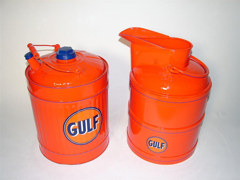 Sharp 1930s Gulf Oil service station five gallon bulk oil can and five gallon gas can. - Front 3/4 - 97675