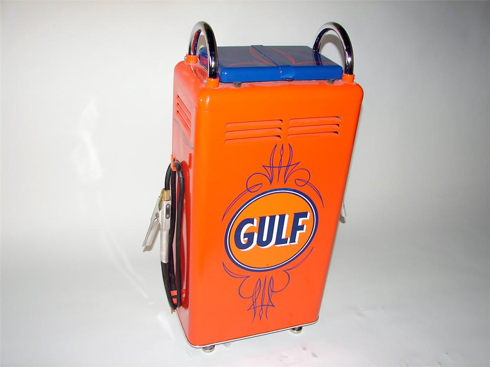 Fabulous 1940s-50s Gulf Oil service department battery charger on wheels. - Front 3/4 - 97683