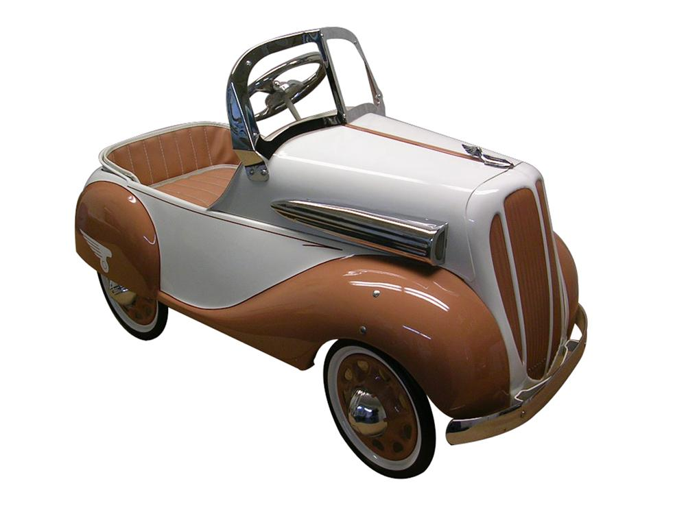 Stunning 1935 Chevrolet pedal car by Steelcraft. - Front 3/4 - 97962