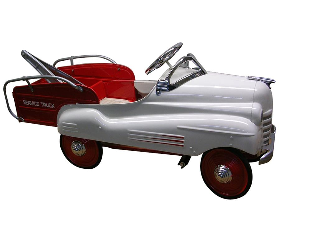 Fun 1948 Pontiac wrecker pedal car by Steelcraft. - Front 3/4 - 97963