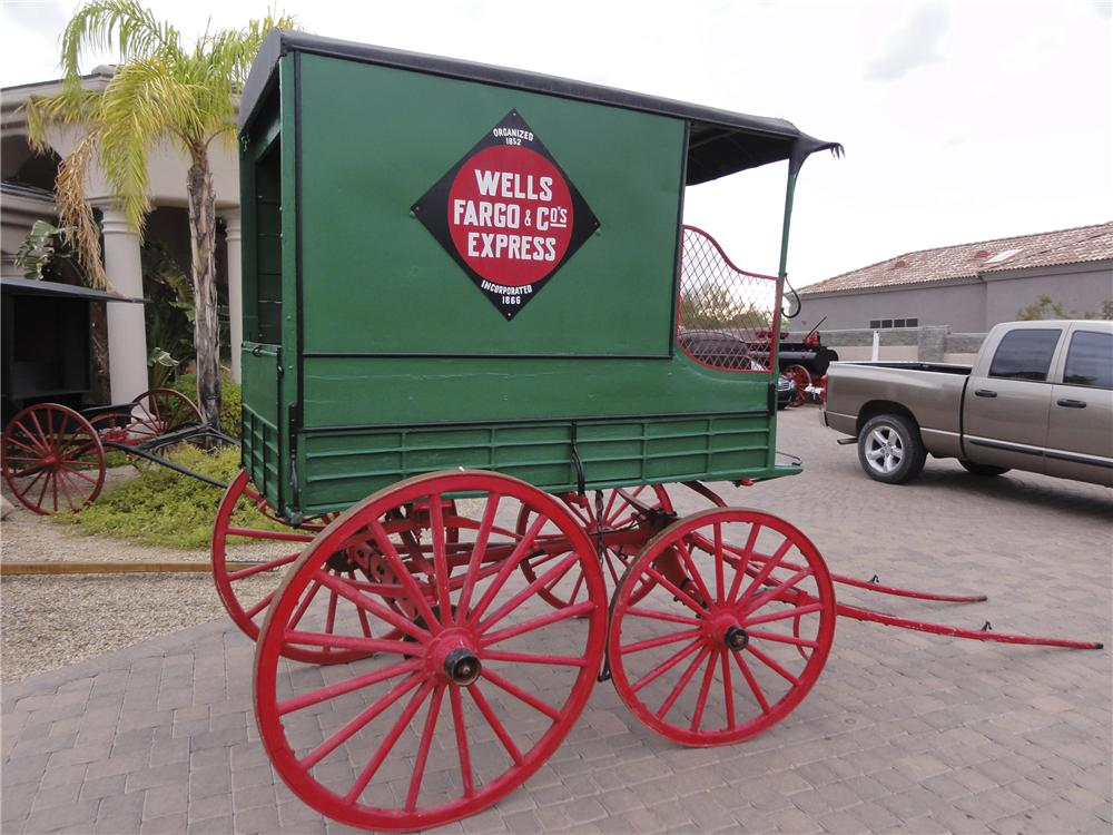 0 BUGGY WELLS -FARGO DELIVERY WAGON - Rear 3/4 - 101433