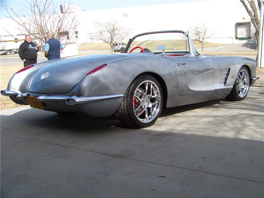 1959 CHEVROLET CORVETTE CUSTOM CONVERTIBLE - Rear 3/4 - 101616