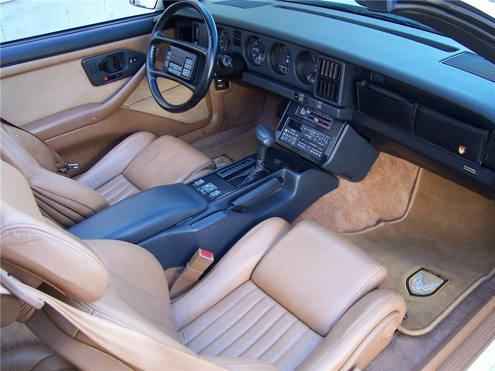 1989 PONTIAC TRANS AM 20TH ANNIVERSARY EDITION COUPE - Interior - 101620