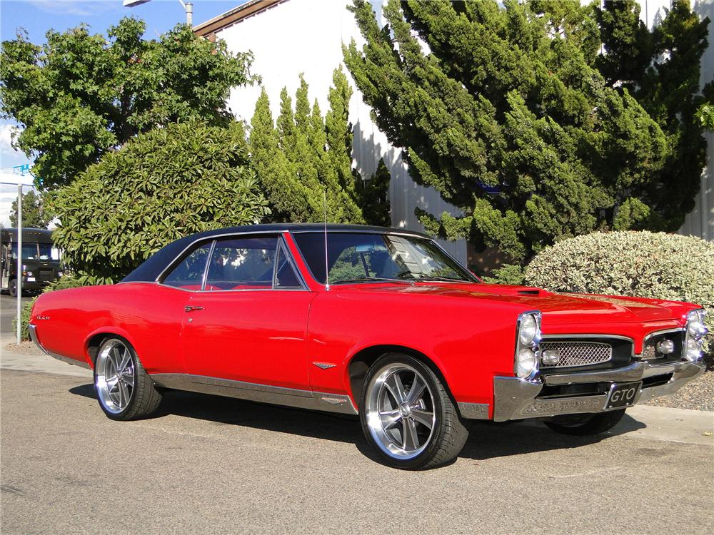 1967 PONTIAC GTO COUPE - Front 3/4 - 101648