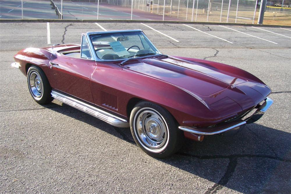 1967 CHEVROLET CORVETTE CONVERTIBLE - Front 3/4 - 101659
