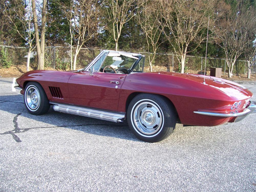 1967 CHEVROLET CORVETTE CONVERTIBLE - Rear 3/4 - 101659