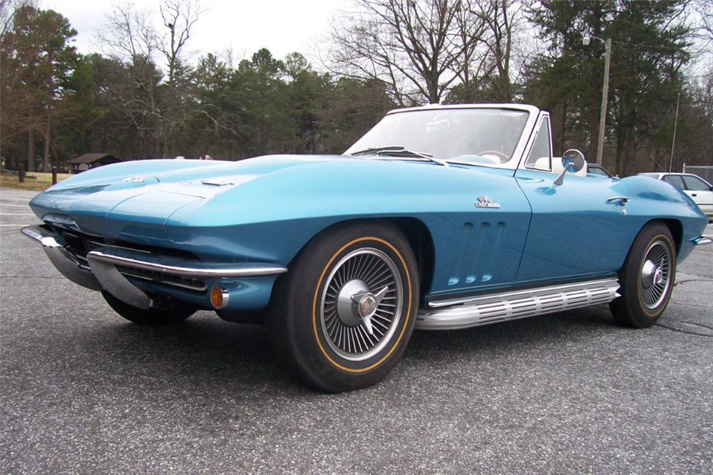 1966 CHEVROLET CORVETTE CONVERTIBLE - Front 3/4 - 101667