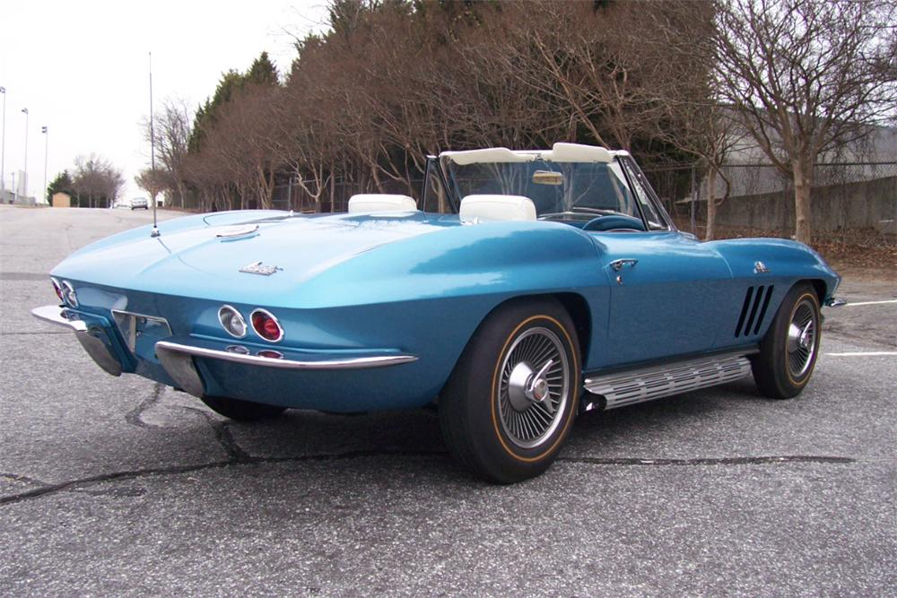 1966 CHEVROLET CORVETTE CONVERTIBLE - Rear 3/4 - 101667