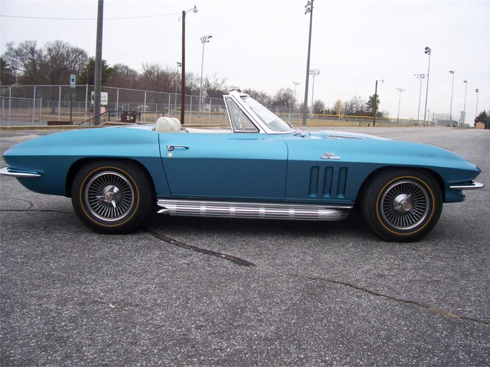 1966 CHEVROLET CORVETTE CONVERTIBLE - Side Profile - 101667