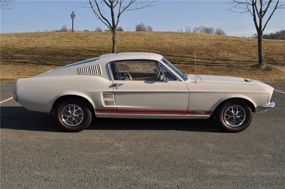 1967 FORD MUSTANG 2 DOOR FASTBACK - Side Profile - 101671