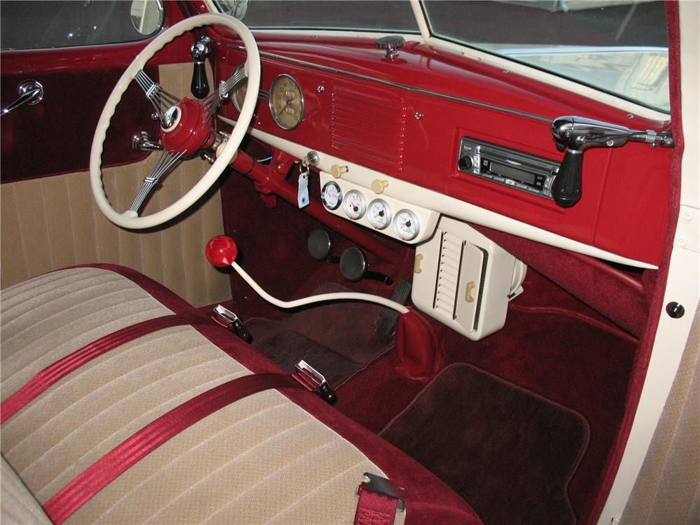 1939 FORD DELUXE CUSTOM 2 DOOR SEDAN - Interior - 101677
