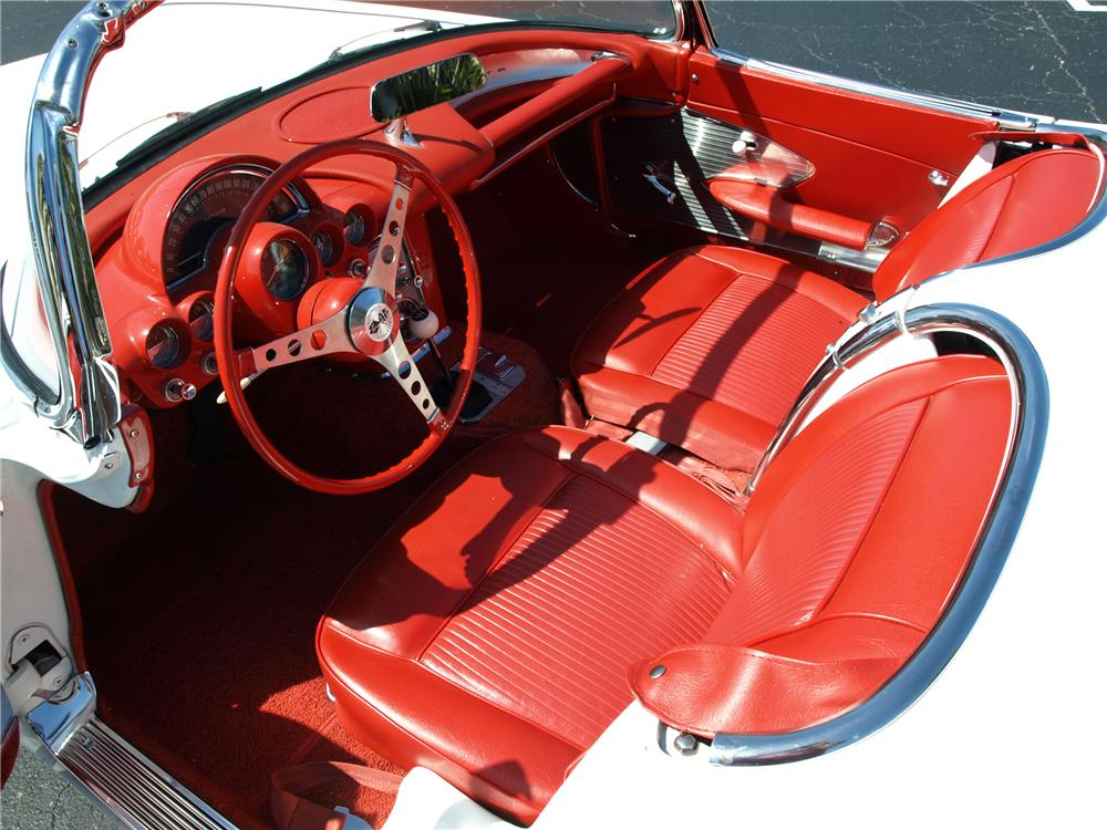 1961 CHEVROLET CORVETTE CUSTOM CONVERTIBLE - Interior - 101679