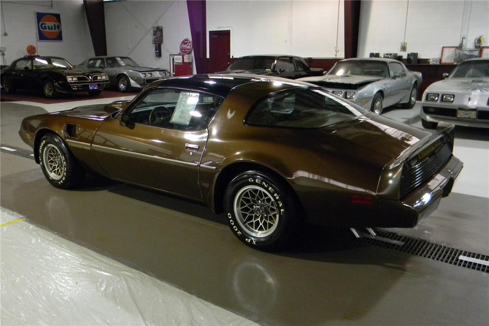 1979 PONTIAC FIREBIRD TRANS AM 2 DOOR COUPE - Rear 3/4 - 101698