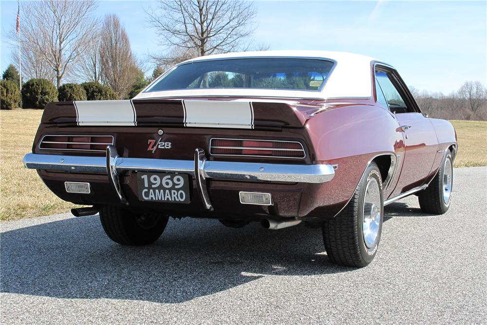 1969 CHEVROLET CAMARO Z/28 RS COUPE - Rear 3/4 - 101716