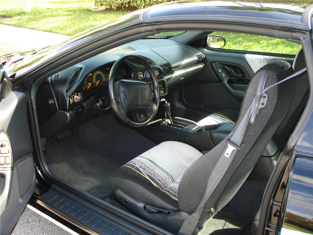 1993 CHEVROLET CAMARO INDY PACE CAR 2 DOOR COUPE - Interior - 101755