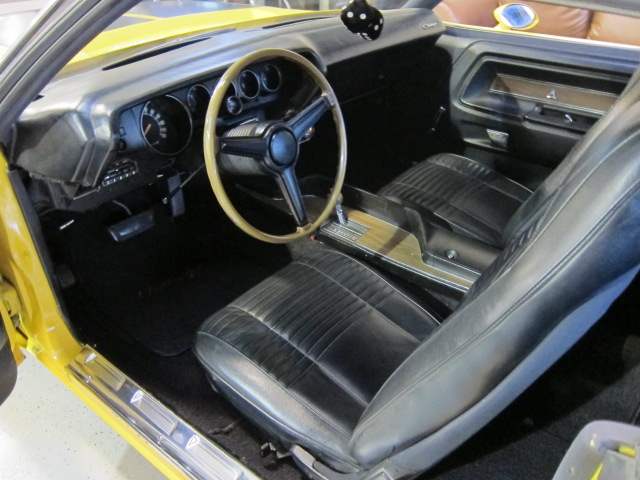 1970 DODGE CHALLENGER CUSTOM 2 DOOR COUPE - Interior - 101768