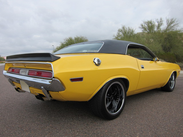 1970 DODGE CHALLENGER CUSTOM 2 DOOR COUPE - Rear 3/4 - 101768