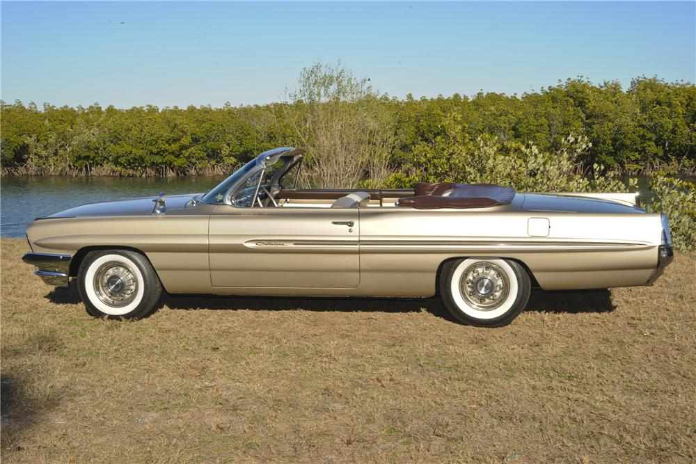1961 PONTIAC CATALINA CONVERTIBLE - Side Profile - 101777
