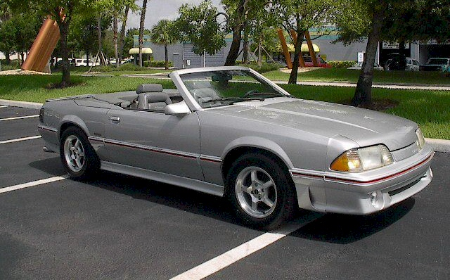 1987 FORD MUSTANG CONVERTIBLE - Front 3/4 - 101787