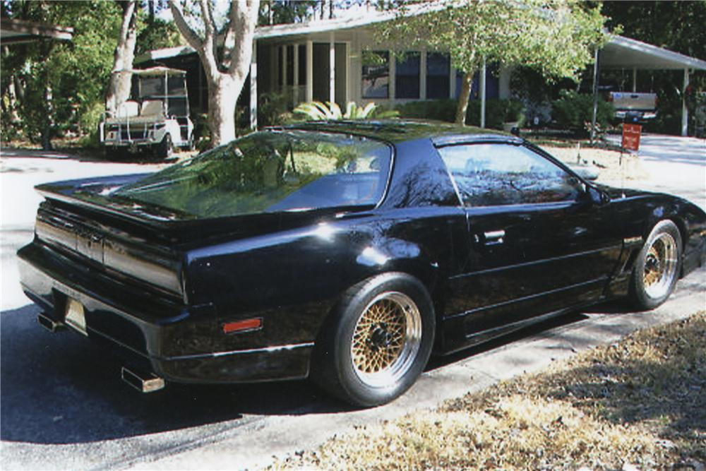 1985 PONTIAC FIREBIRD TRANS AM CUSTOM COUPE - Rear 3/4 - 101790