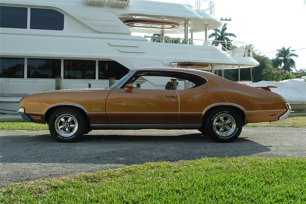 1972 OLDSMOBILE CUTLASS 442 2 DOOR COUPE - Side Profile - 101794
