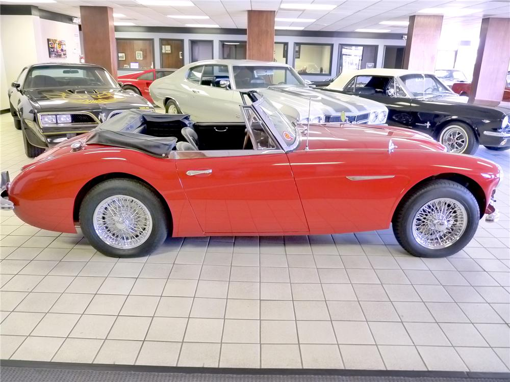 1965 AUSTIN-HEALEY 3000 MARK III BJ8 ROADSTER - Side Profile - 101795