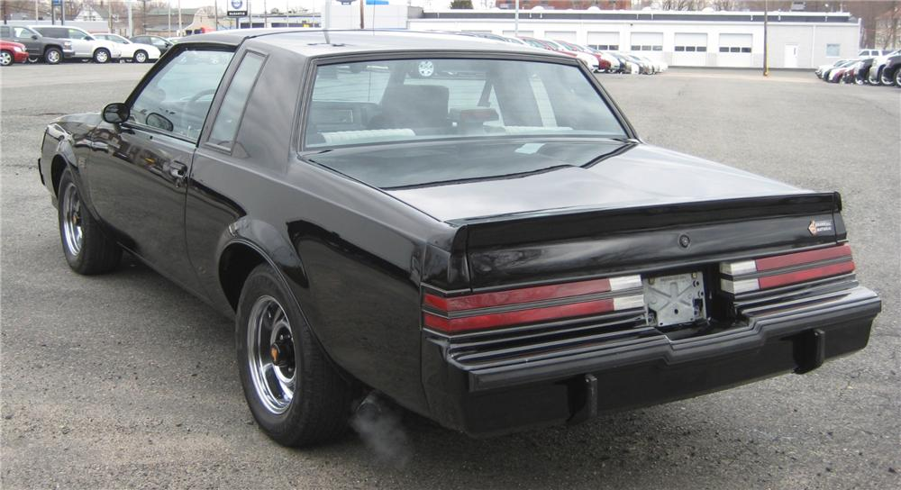 1987 BUICK REGAL GRAND NATIONAL 2 DOOR COUPE - Rear 3/4 - 101962