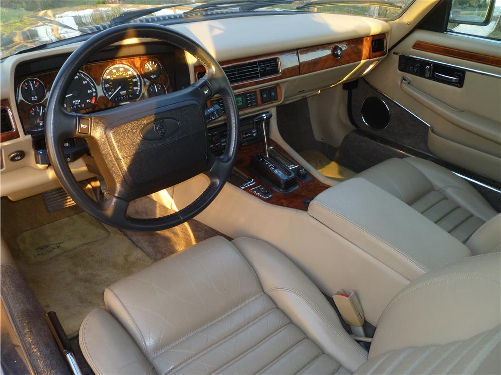 1992 JAGUAR XJS CONVERTIBLE - Interior - 101978