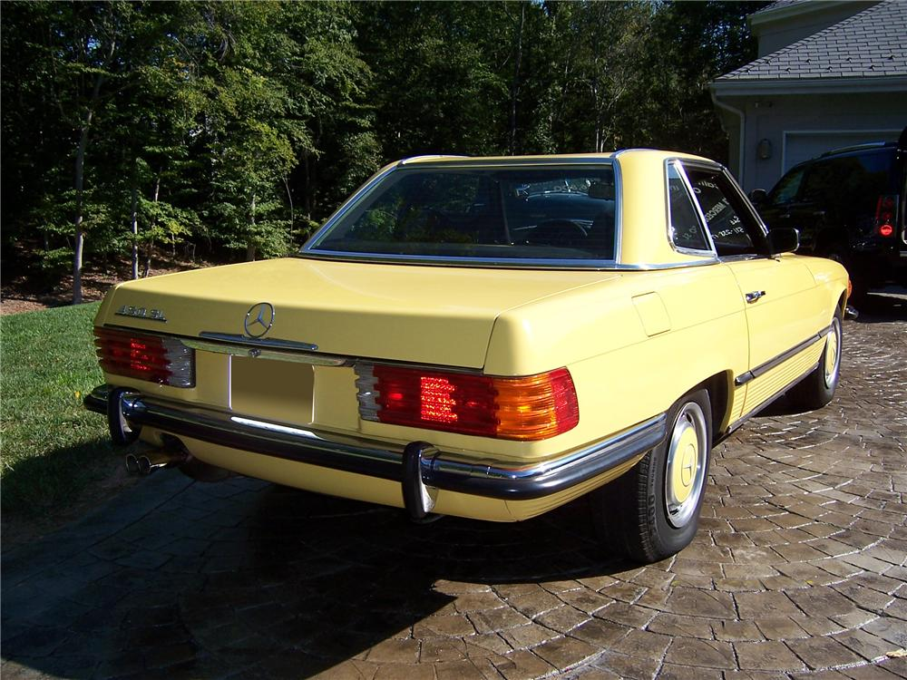 1973 MERCEDES-BENZ 450SL ROADSTER - Rear 3/4 - 101981