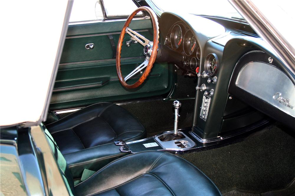 1965 CHEVROLET CORVETTE CONVERTIBLE - Interior - 101990