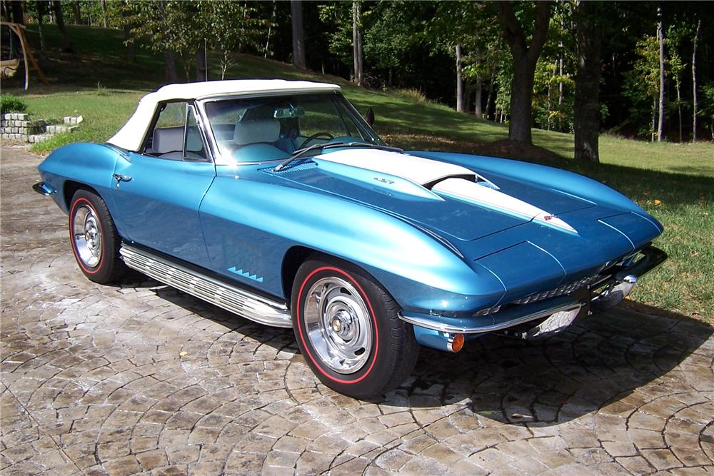 1967 CHEVROLET CORVETTE CONVERTIBLE - Front 3/4 - 101995
