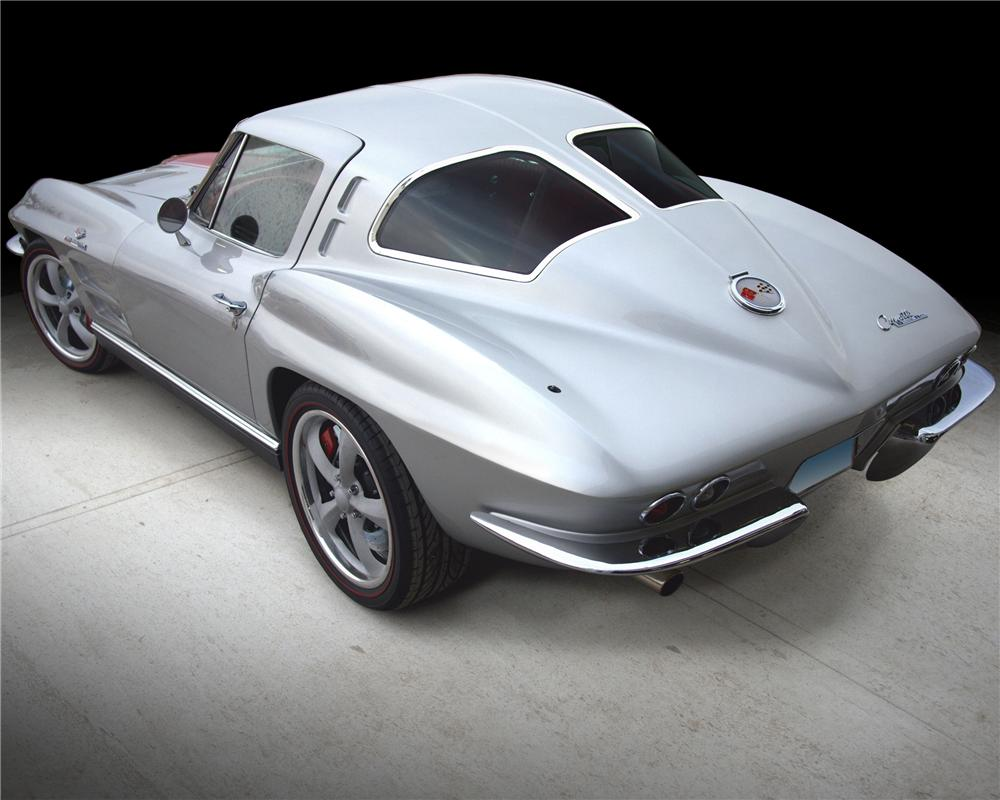 1963 CHEVROLET CORVETTE CUSTOM COUPE - Rear 3/4 - 101999