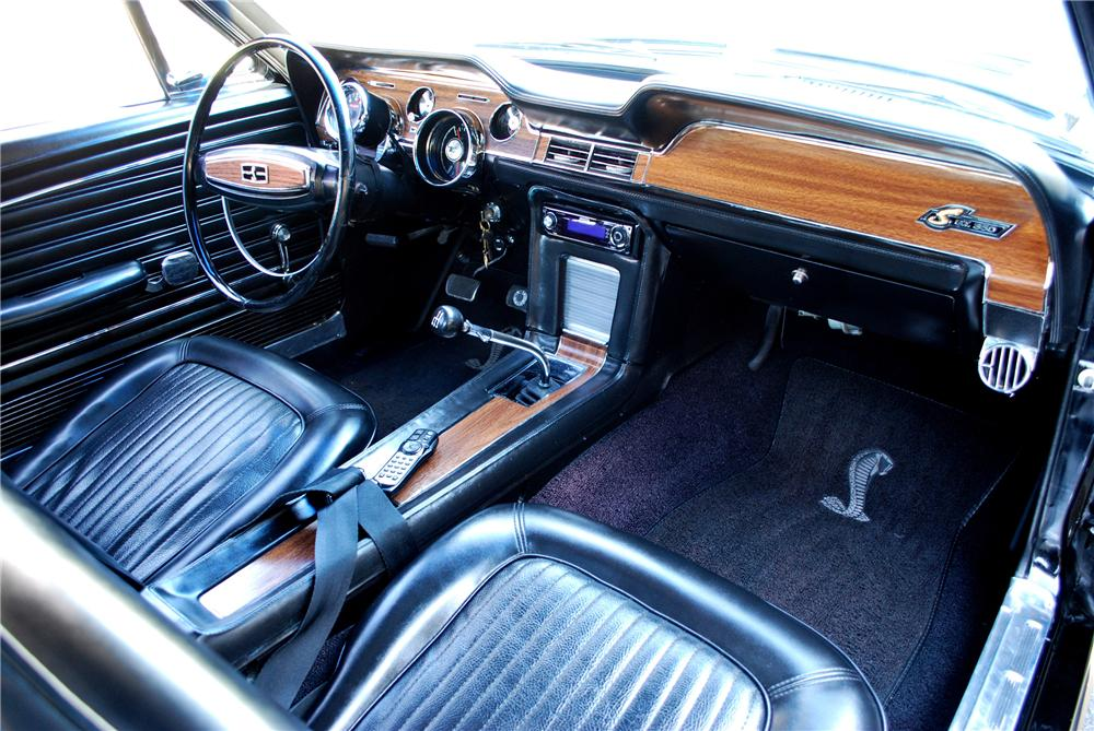 1968 FORD MUSTANG RE-CREATION FASTBACK - Interior - 102002