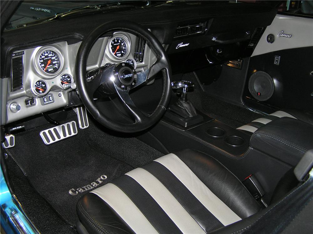 1969 CHEVROLET CAMARO CUSTOM CONVERTIBLE - Interior - 102037
