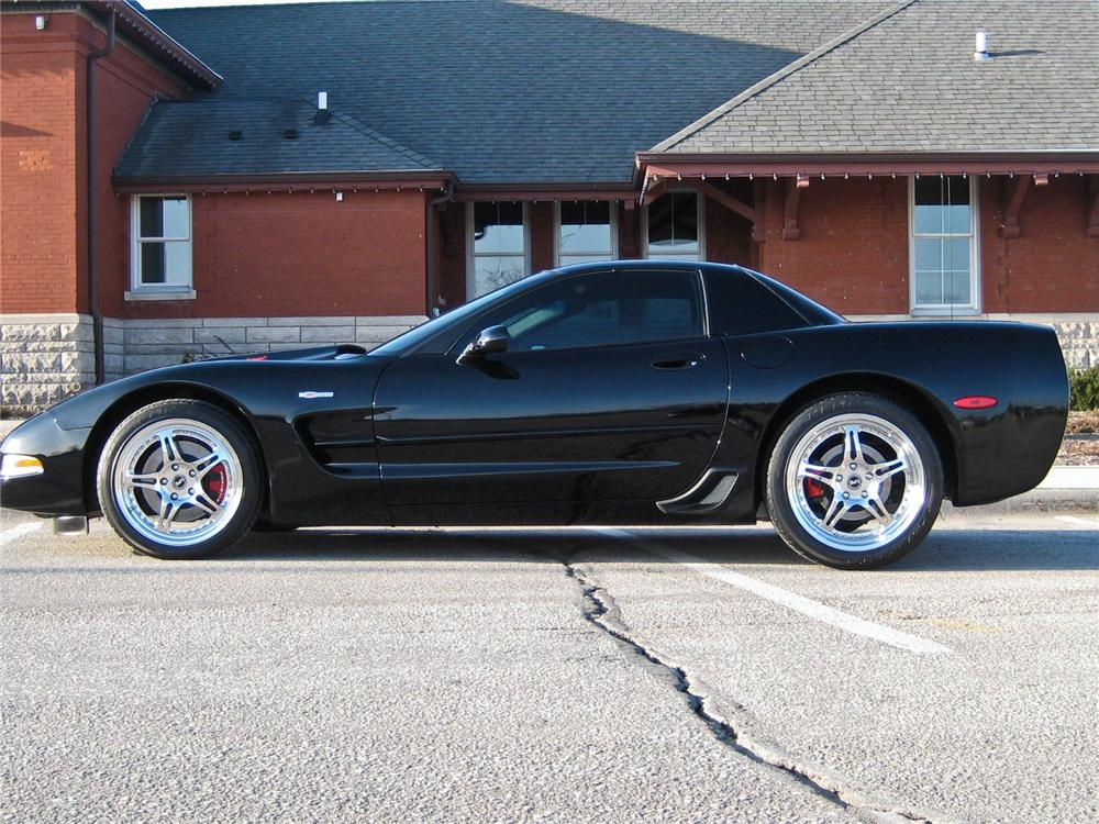 2002 CHEVROLET CORVETTE Z06 COUPE - Side Profile - 102040