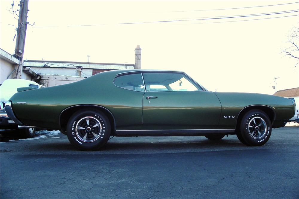 1969 PONTIAC GTO 2 DOOR HARDTOP - Side Profile - 102042
