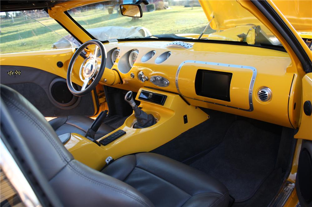 1968 CHEVROLET CAMARO CUSTOM CONVERTIBLE - Interior - 102048